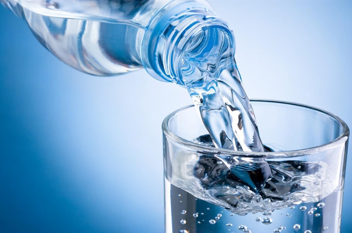eau minérale alcaline